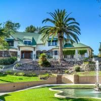 Chris Hardwick home in Los Angeles, CA