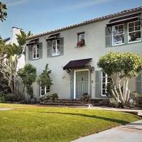Caroline Rhea home in Los Angeles, CA