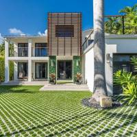 Jeremy Shockey home in Miami Beach, FL