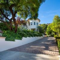 Niecy Nash home in Bell Canyon, CA