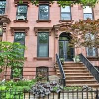 Maggie Gyllenhaal home in Brooklyn, NY