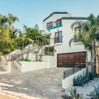 Elle King home in Los Angeles, CA