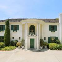 Mommie Dearest House home in Los Angeles, CA