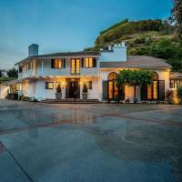 Sutton Stracke home in Los Angeles, CA