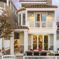 Jasmine Roth home in Huntington Beach, CA