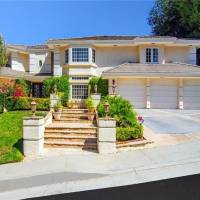 Lacey Chabert home in Los Angeles, CA