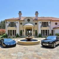 Reba McEntire home in Beverly Hills, CA