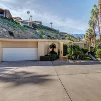 Suzanne Somers home in Palm Springs, CA