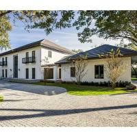 Elle Macpherson home in Coral Gables, FL
