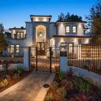 Jojo Siwa home in Los Angeles, CA