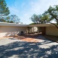 Aaron Eckhart home in Beverly Hills, CA