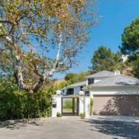 Scarlett Johansson home in Los Angeles, CA