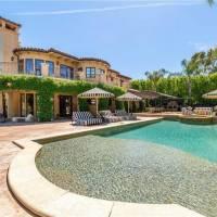 Kaley Cuoco home in Los Angeles, CA